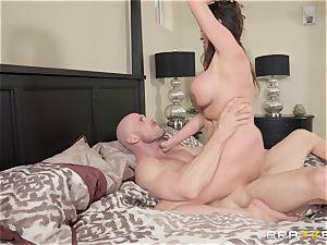 Ariella Ferrera getting inserted by Johnny